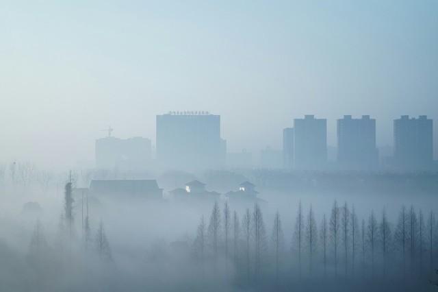 雾霾天晨练无疑慢性自杀 冬季晨练时间地点饮食有讲究