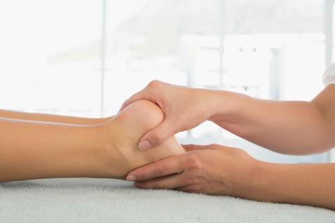脚后跟疼千万不可轻视 可能是这种疾病发作的前兆