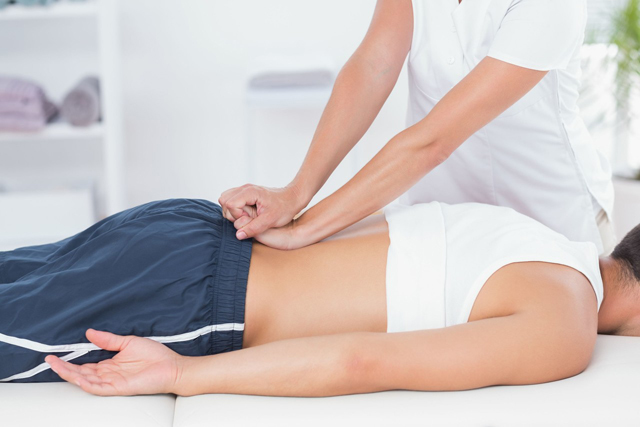 颈椎病患者的三种按摩方法,既方便又实用