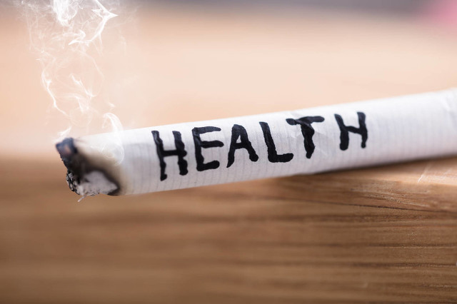 吸烟 (1).jpg