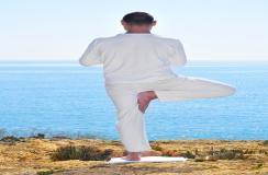 瑜伽有四大基本入门动作,让你彻底静下来