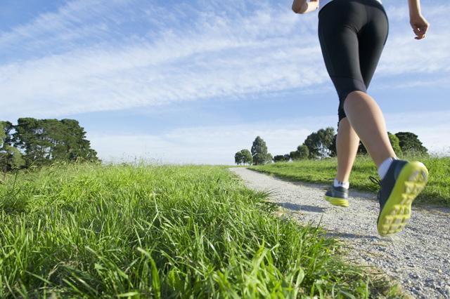 相比室内运动,中老年人要多增加户外运动的几点理由
