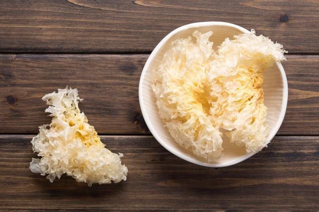 一碗银耳莲子粥吃出满满胶原蛋白 如花美肌秘密在这里
