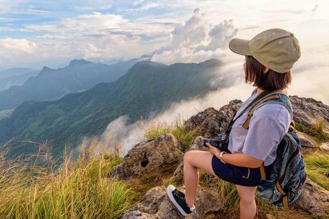 爬山让人活得更快乐,爬山前的准备工作一定要到位
