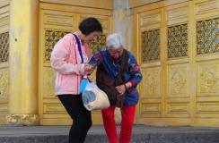 老年人腿脚不便多吃这些食物
