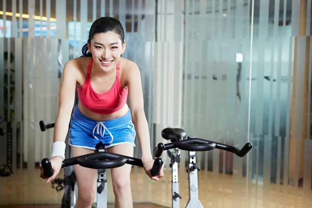 不同的体质适合的运动量不同,过量运动对身体危害多