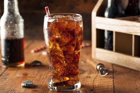 流传近30年的可乐杀精谣言不攻自破 但这些危害却远超你想象