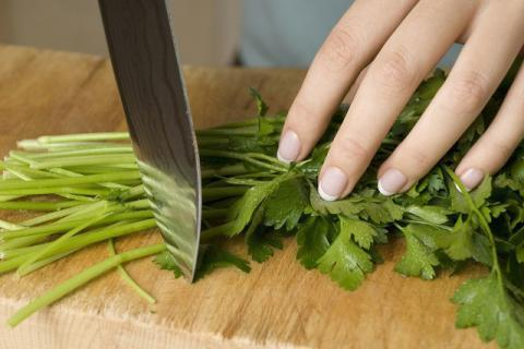 香菜吃多了对肾脏不好?你还在痴迷香菜吗?