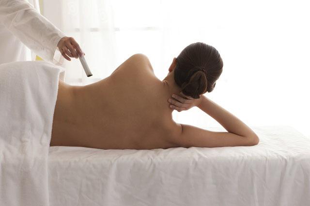 艾灸命门穴能提高免疫力,每次艾灸的间隔最好按这个时间
