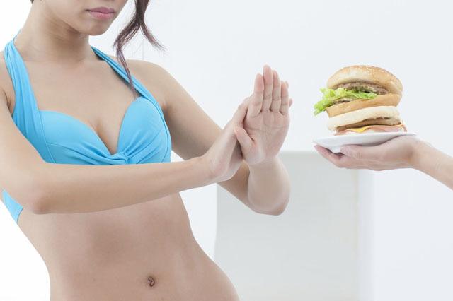 美女 节食减肥 拒绝汉堡.jpg