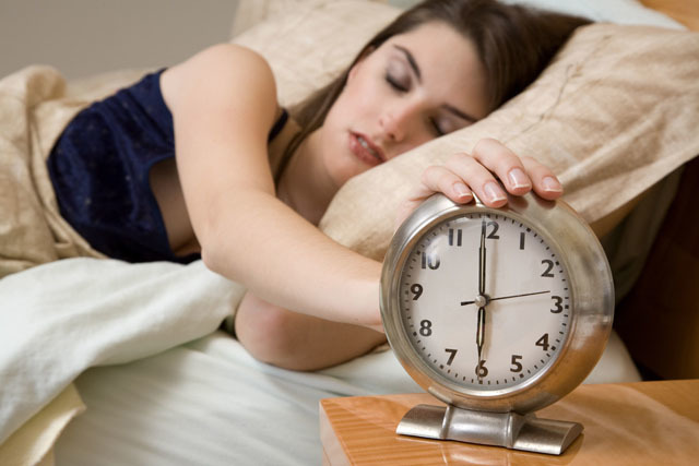 每天睡眠时间八小时就够了,睡得太久还有这样的危害