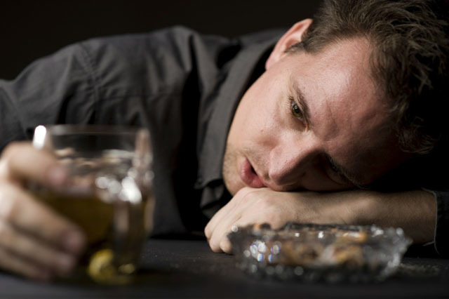 睡前喝酒危害大,难以入睡除了数羊还有这些方法