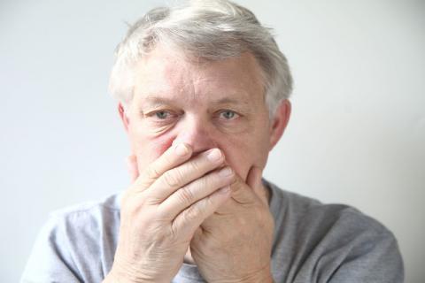 老人口臭可能是这些疾病找上门 日常缓解口臭小技巧