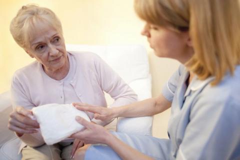 老人长期尿失禁可能是这些疾病 治疗尿失禁的5个小偏方