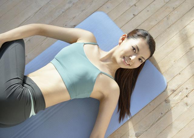 腰间盘突出痛苦不堪,这几个瑜伽动作能有效帮你缓解