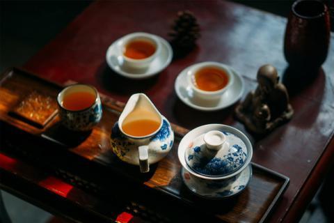 """黑枸杞可以泡茶叶,但是对茶叶要求很苛刻"""""""