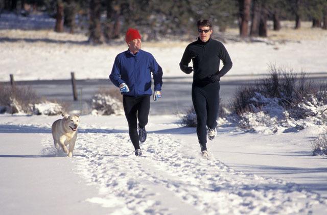 秋冬季节气温下降,户外运动这些运动比较合适