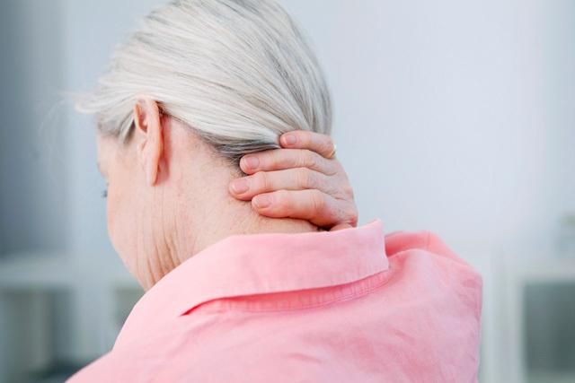 颈椎病又严重了,经络按摩让你远离颈椎烦恼
