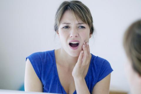 缓解上火引起的牙龈肿痛的小偏方有哪些?
