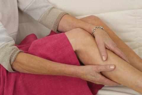 远离静脉曲张的危害 中老年人要怎么做?