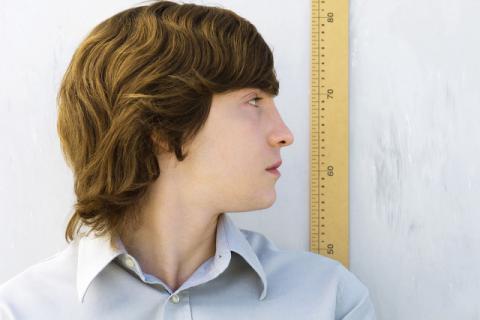 别让身高成为你前进的障碍 矮个子男生吃什么长个?