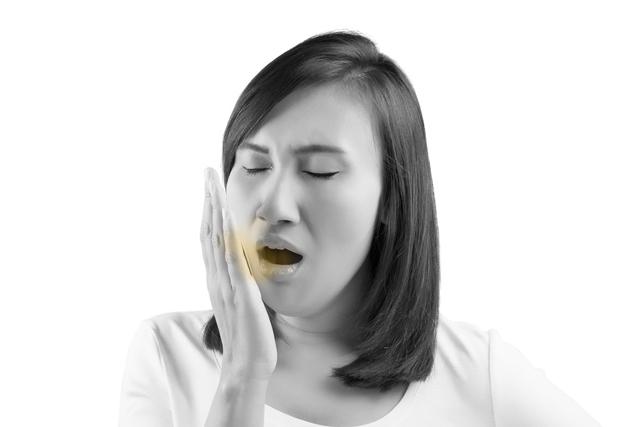 口臭问题造成困扰,按摩这些穴位能让人口气清新回来