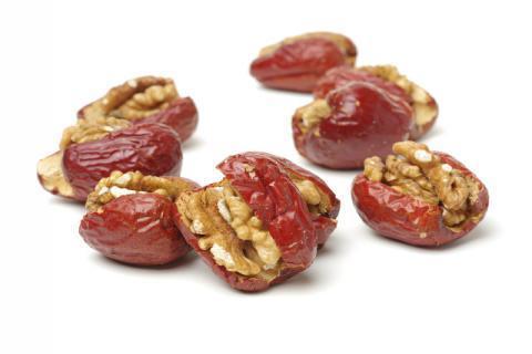 枣夹核桃有哪些营养和功效 补血补脑一箭双雕