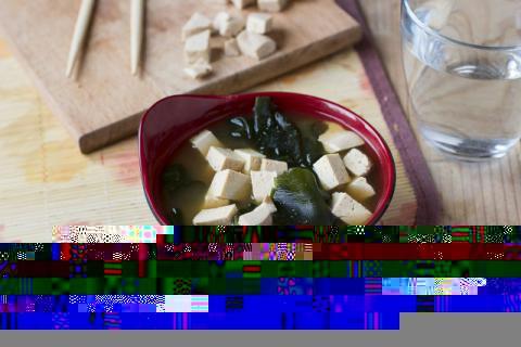 排毒减脂的海带豆腐汤怎么做,这个春天就靠它减肥了!