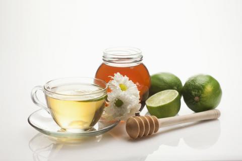 蜂蜜水的功效有哪些,绝不是你认为的那么简单