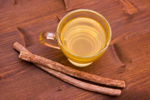 甘草生姜茶怎么制作,缓解痛经的秘宝之一