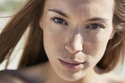 春季脸上长斑是什么原因,有没有方式可以避免