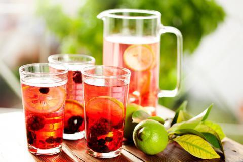 夏日喝水加入水果干,让你的夏天甜蜜起来