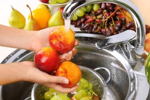 水果清洗不好对身体有害!水果应该清洗好呢?