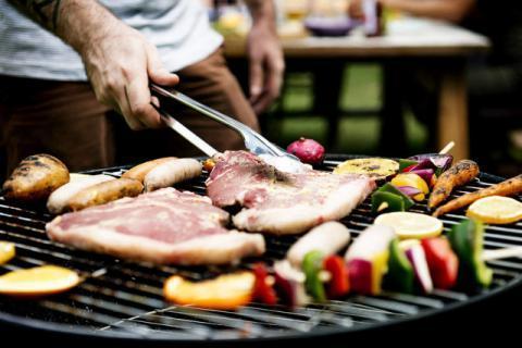 夏季吃烧烤应该注意些什么?哪些食物不适合吃