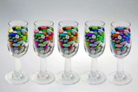 在服用药物以后,尽量不要和这些食物一起食用