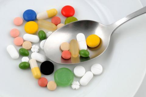 在食用这些食物以后,不要立即服用哪些药物