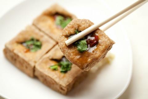 臭豆腐的危害有哪些,哪些人不适合食用