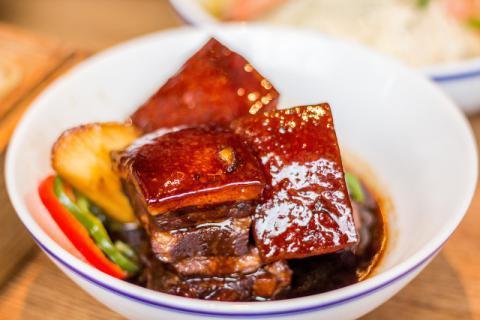 五花肉的美味吃法,保证你在吃饭时候大口朵颐