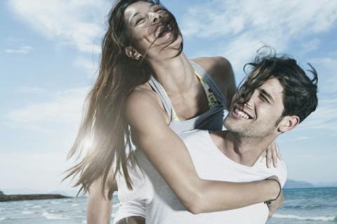 裸睡有助于睡眠,如何提高婚姻质量
