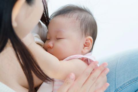 母乳是世间赋予婴儿最好的精神食粮