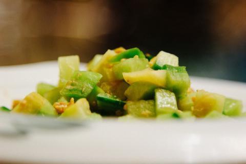 茭白炒芦笋,适合在夏季食用的素食美食