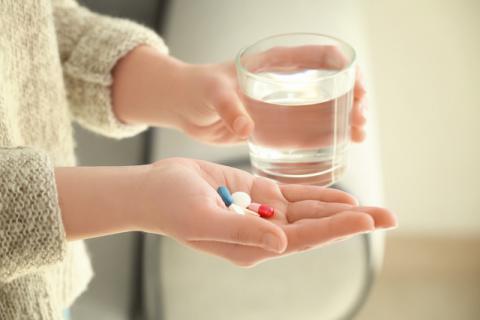 """抗生素和消炎药有哪些区别?别因为""""无知""""喝错药"""