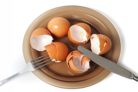 大部分人把它随手就扔,鸡蛋壳的作用有哪些