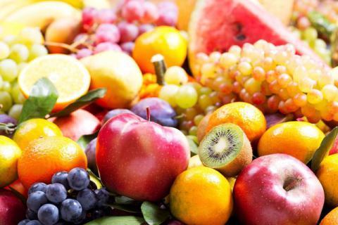 水果吃完别先扔皮,留着有大用