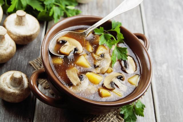 春季养生汤煲汤食谱,这些养生汤最适合春季