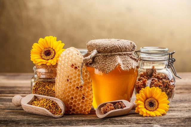 蜂蜜可以配什么吃?女性吃蜂蜜还有这些好处