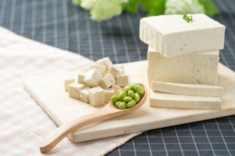 适量食用豆腐,可以改善孕妇的身体健康