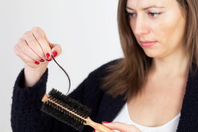 女性掉头发严重怎么办?这些护理方法要学会