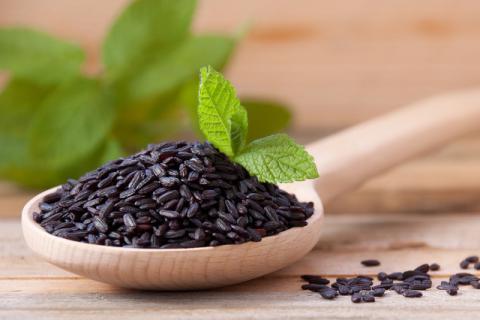 黑米中含有丰富的营养物质,在购买时候要注意区分优劣