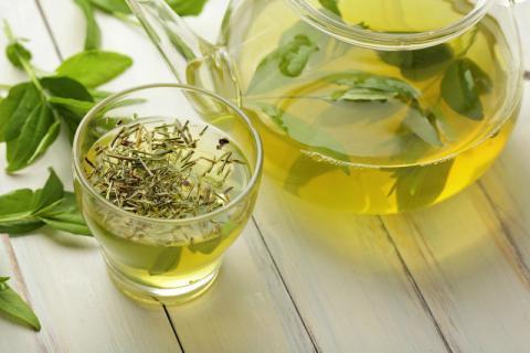 绿茶的几大养生妙用 让你越活越年轻